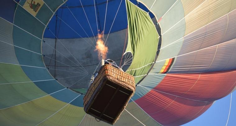 flight-1932584_960_720